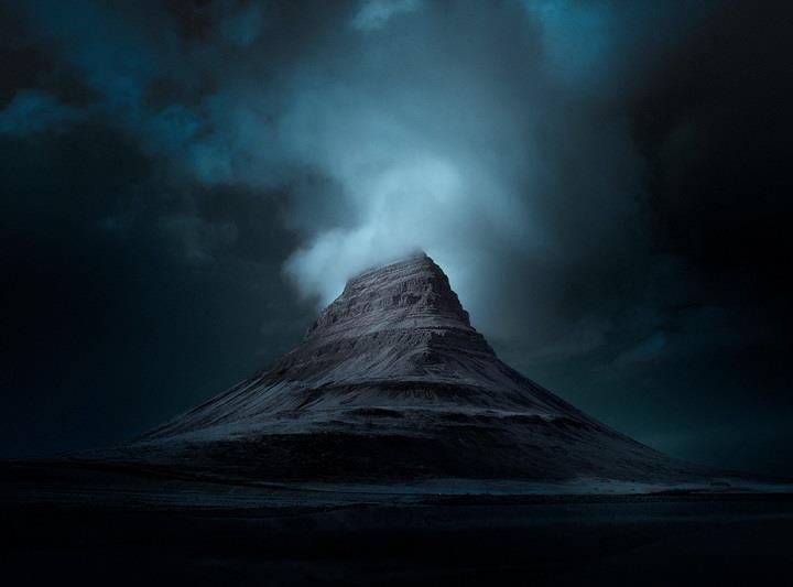 Andy Lee - a photograph blue