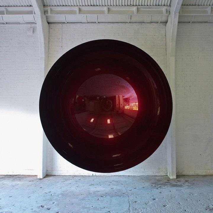 Anish Kapoor - sculpture mirror