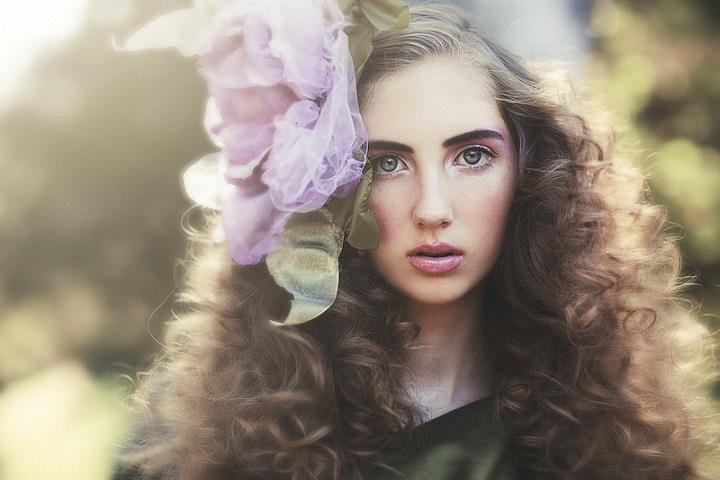 Emily Soto - curly hair
