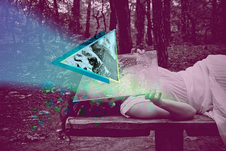 Ewa Doroszenko - blue triangle