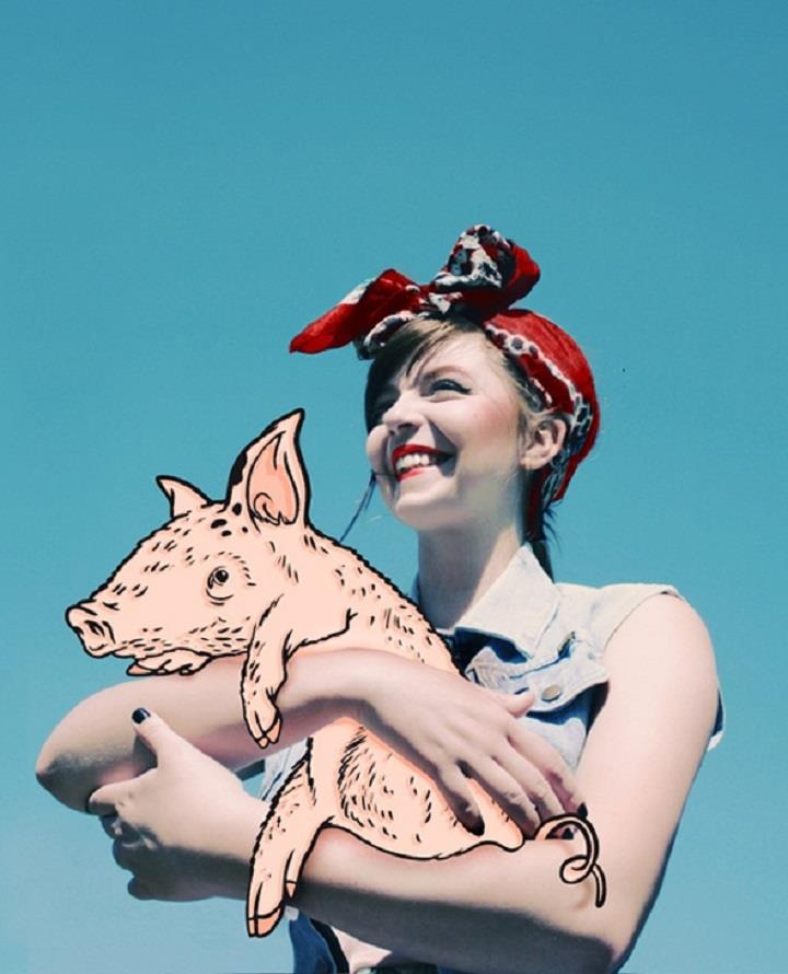 Ewa Mos - girl and pig