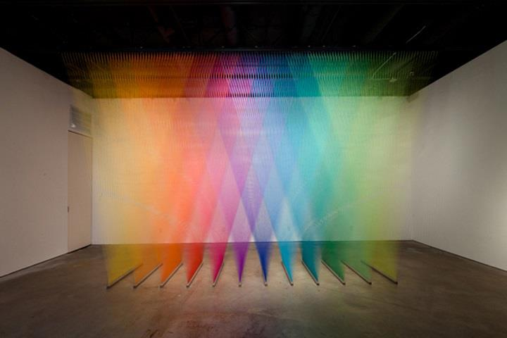 Gabriel Dawe - rainbow color installation