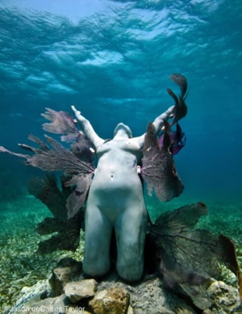Jason deCaires Taylor Sculpture 1