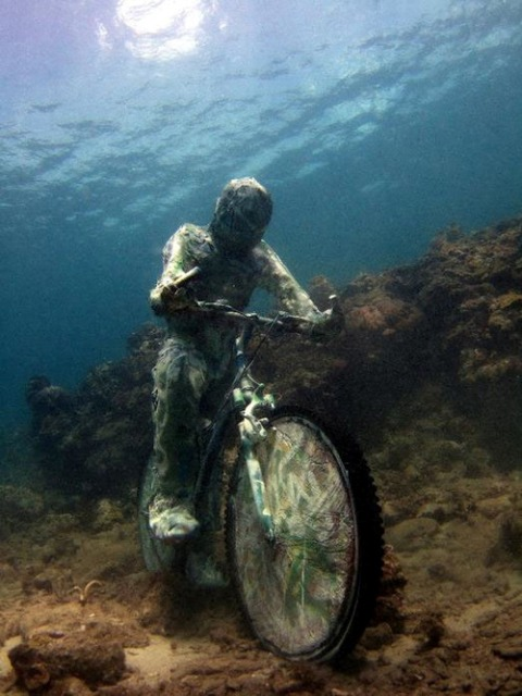 Jason deCaires Taylor Sculpture 4