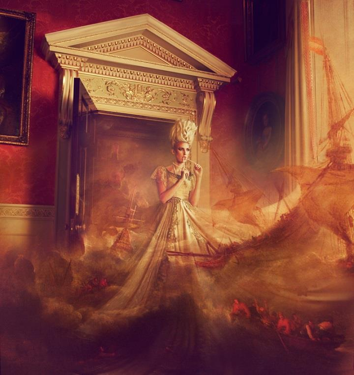 Miss Aniela - storm door