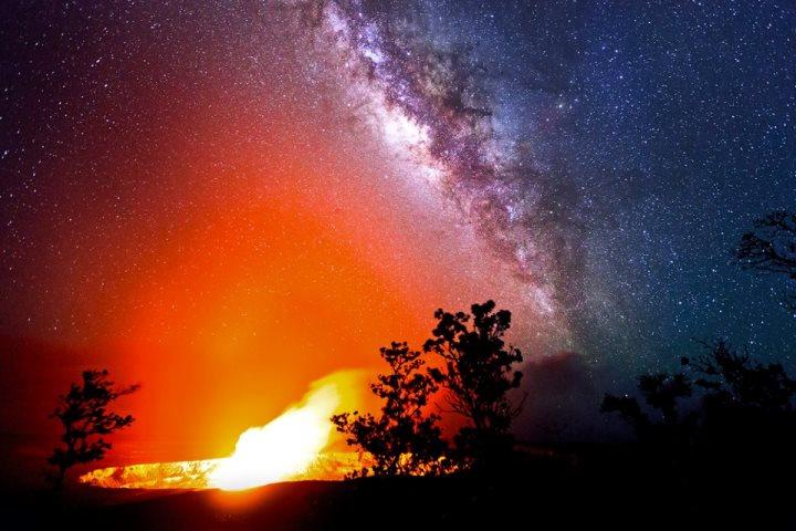 TSO Photography - a volcano sky