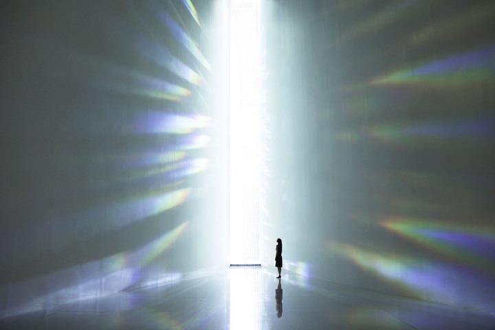Tokujin Yoshioka - installation wall
